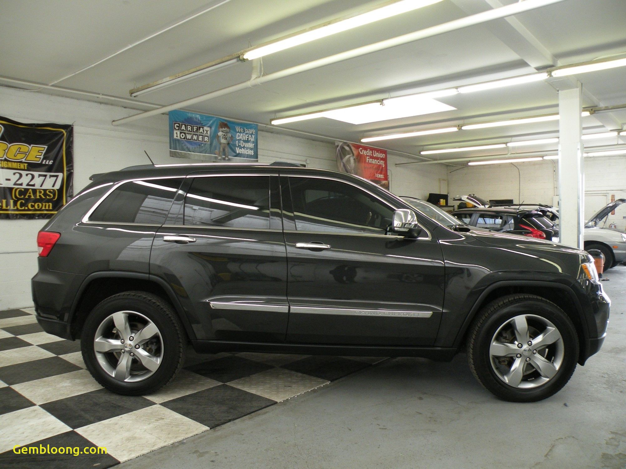 Who Owns Carfax Fresh 2011 Jeep Grand Cherokee Overland