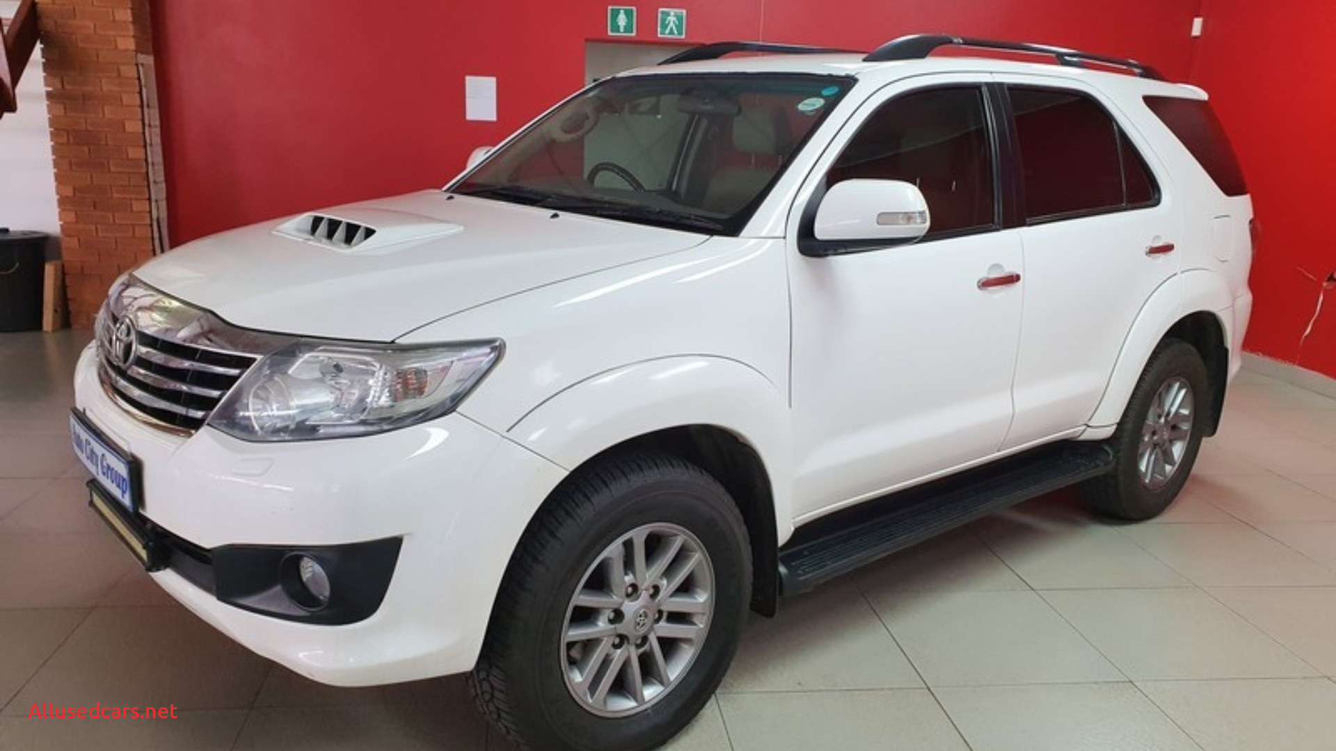 toyota fortuner 3 0d 4d 4x4 auto 2012 id or