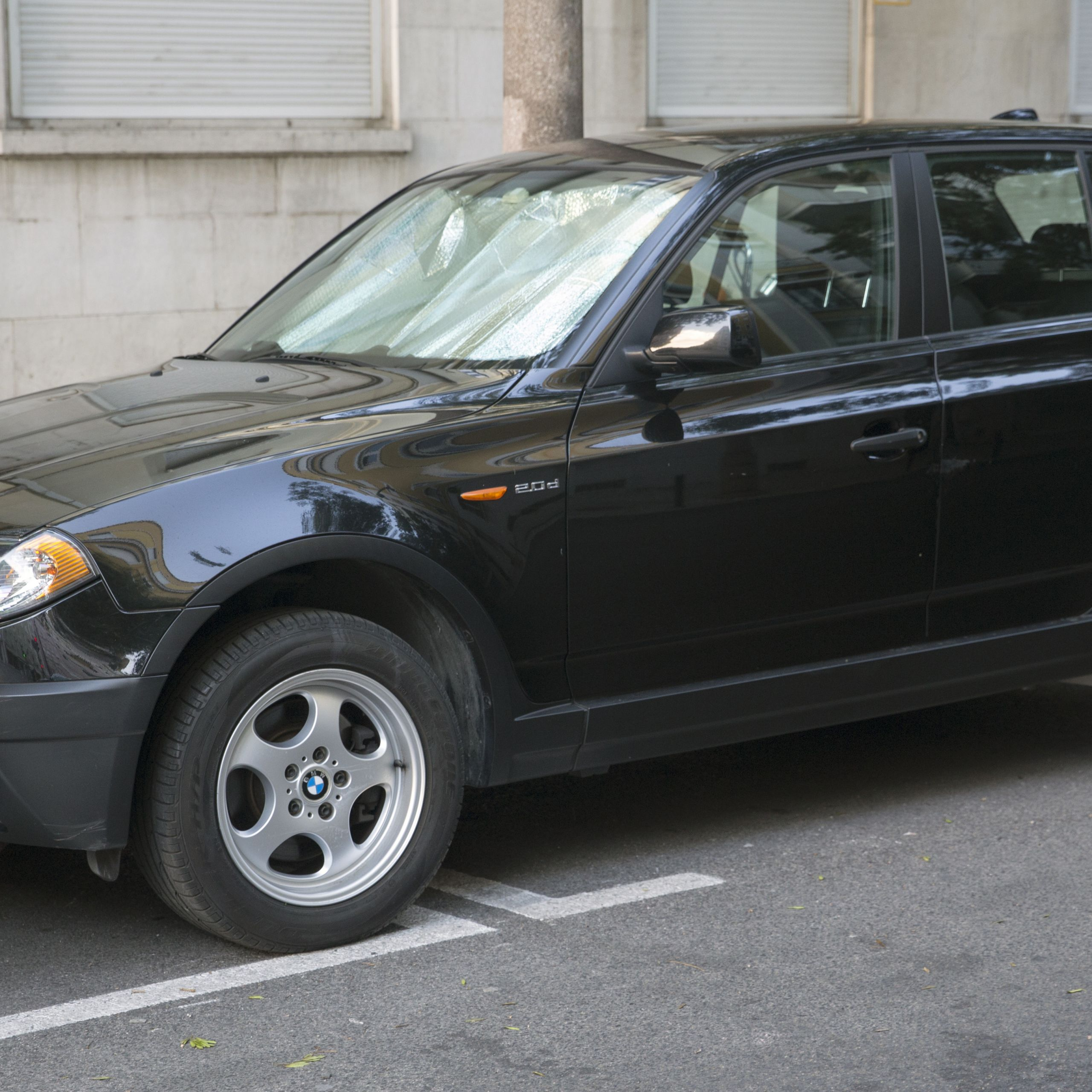 2005 BMW X3 2 0d front left Portugal