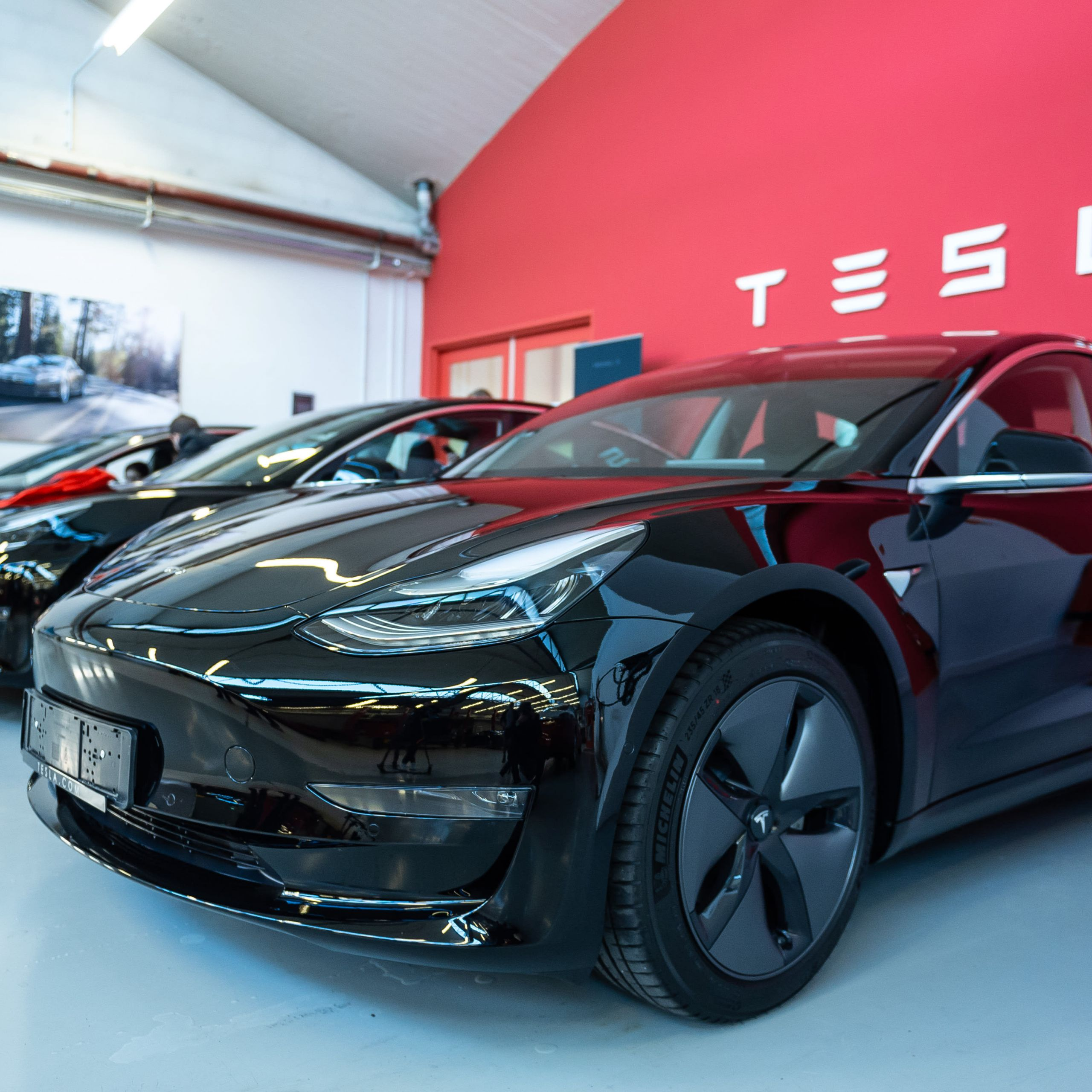 How Much Tesla Model S Luxury Tesla Tsla 3q 2019 Production and Delivery Numbers