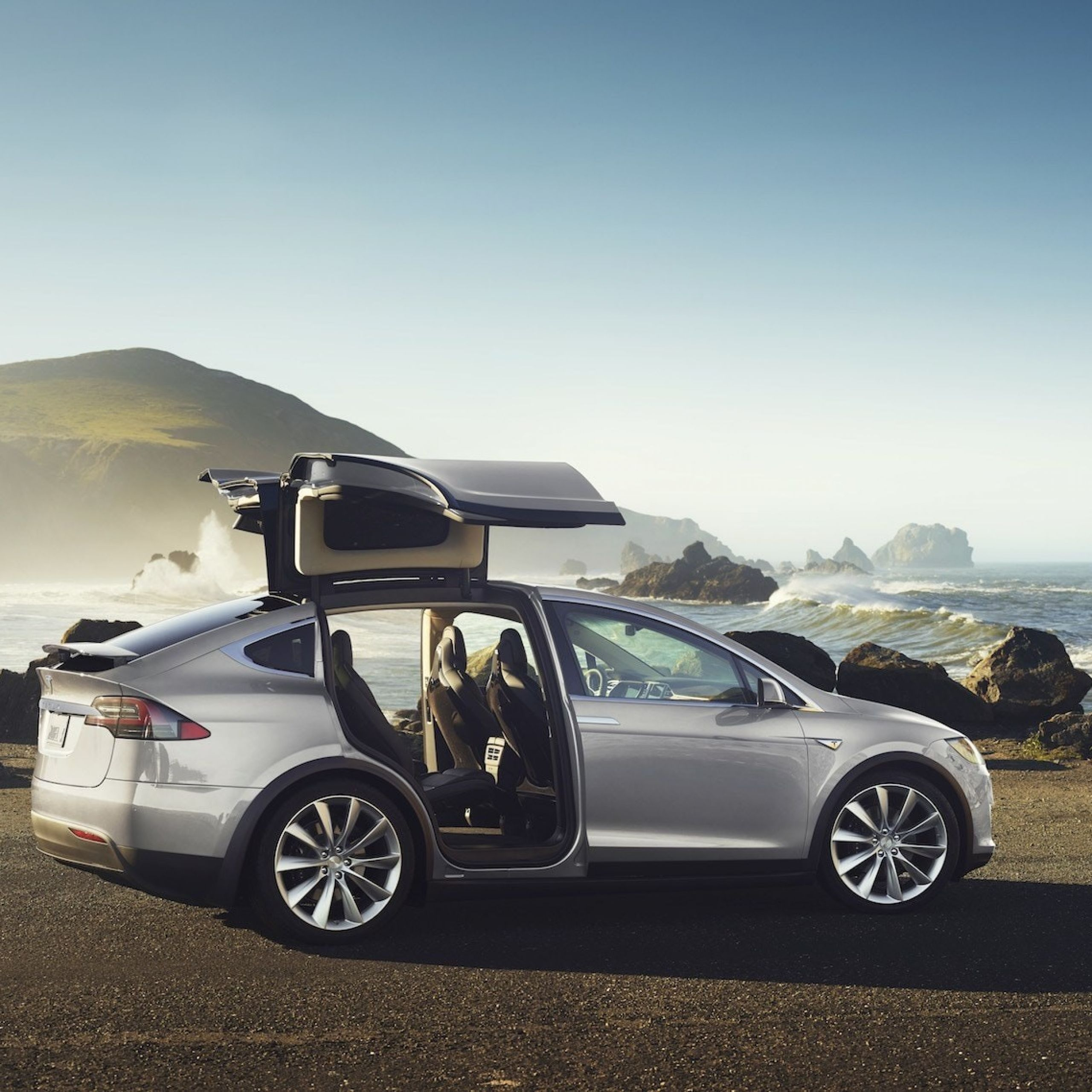 Tesla X Awesome Ad Test Drives the Tesla Model X P100d