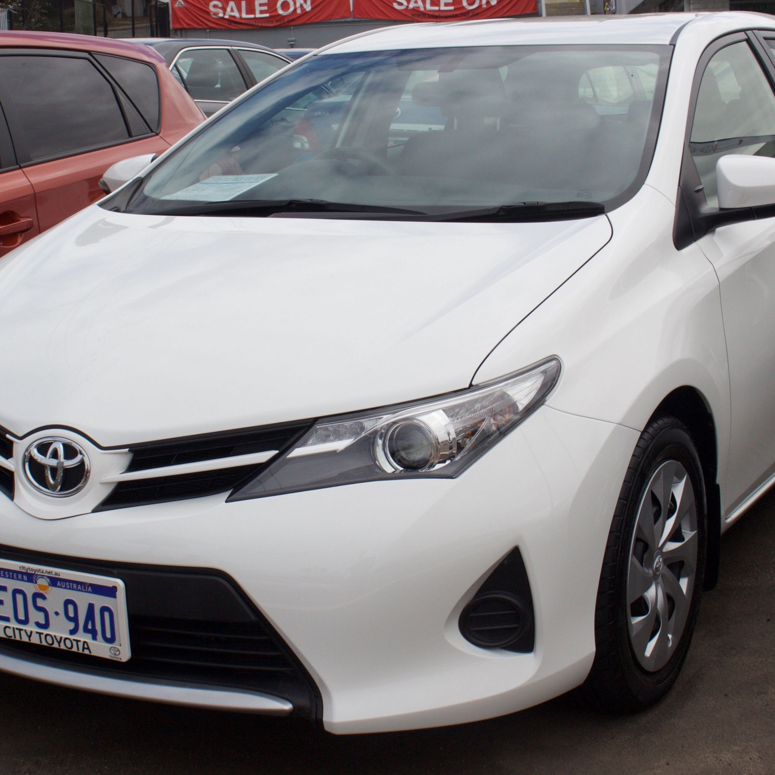 2014 Toyota Corolla ZRE182R Ascent hatchback % 10 18