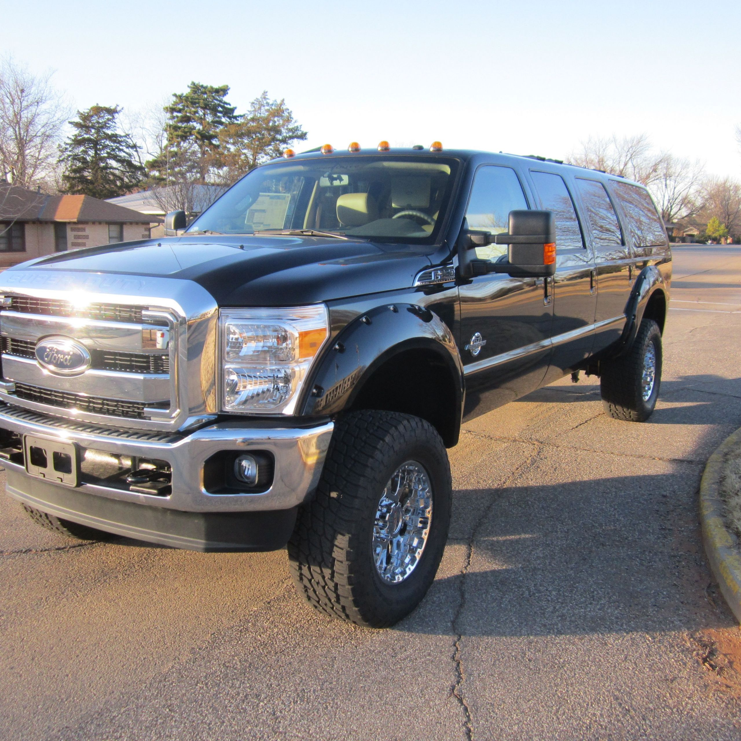 Lovely ford Excursion for Sale