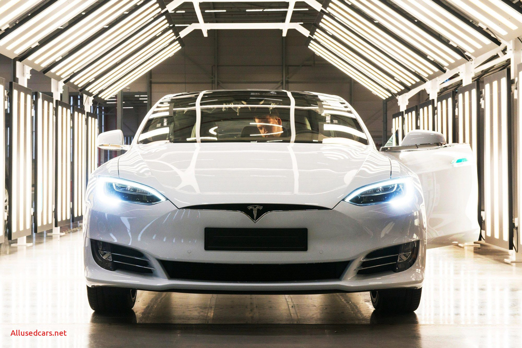 Tesla Summon Lovely Check Summon with Car Number