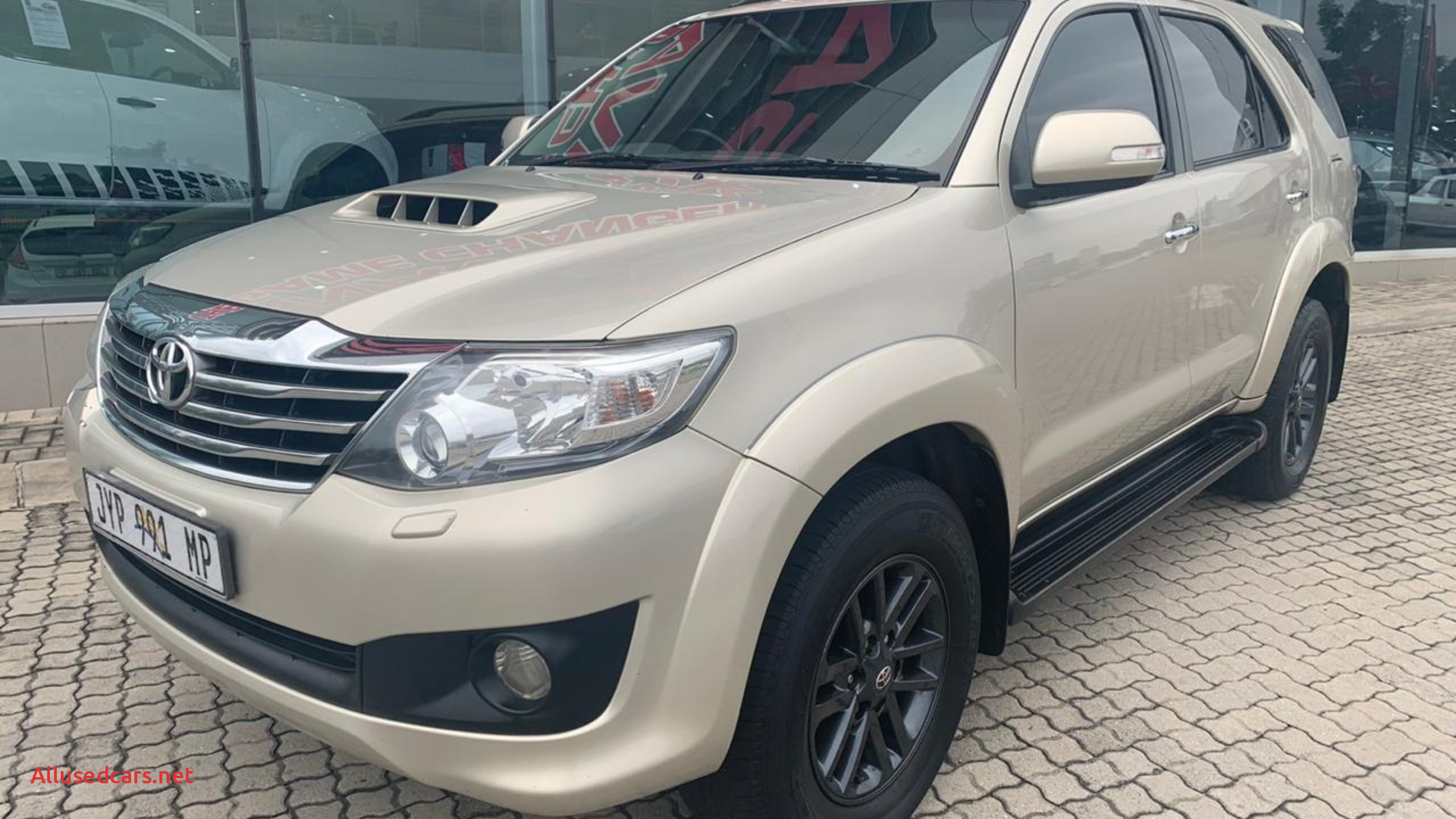 toyota fortuner 3 0d 4d auto 2013 id or