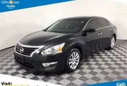 Luxury 2015 Nissan Altima 2.5 S