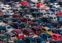 Auto Auction Awesome Auto Auction Worker Opens Trunk Finds Man